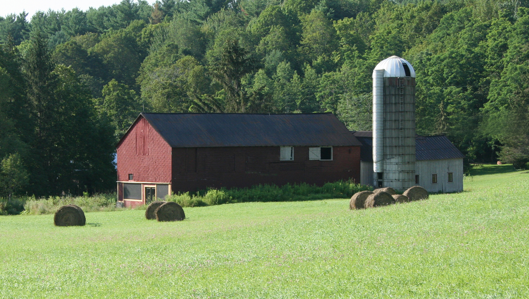 Picture of a barn located at Fieldstones